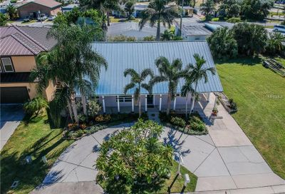 133 174th Terrace Drive E Redington Shores FL 33708