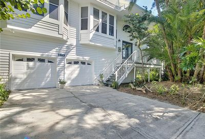 1063 Point Seaside Drive Crystal Beach FL 34681