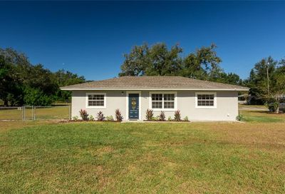 405 S 3rd Street Eagle Lake FL 33839