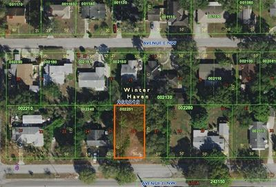 Avenue D NW Winter Haven FL 33880