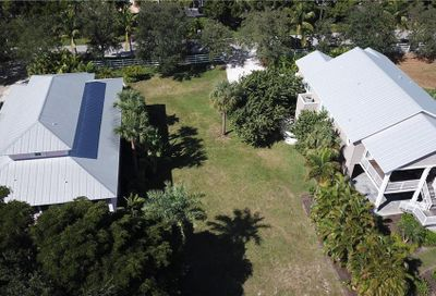 Lot 7 Firehouse Court Longboat Key FL 34228