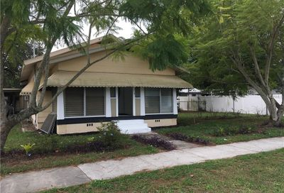 207 W Bridgers Avenue Auburndale FL 33823