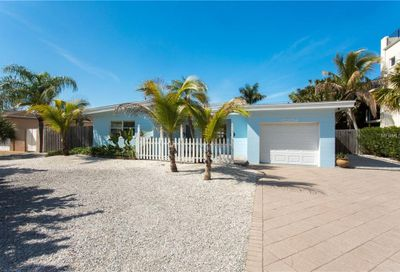 10204 4th Street E Treasure Island FL 33706