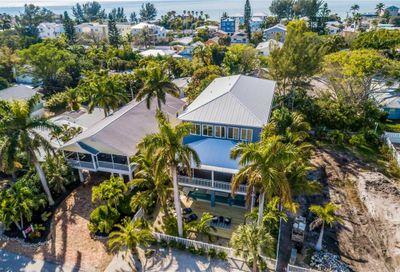 2214 Avenue A Bradenton Beach FL 34217