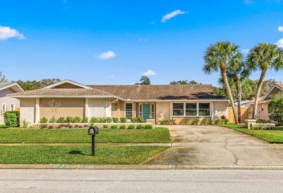 2672 Countryclub Drive Clearwater FL 33761