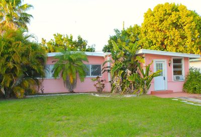 6485 44th Avenue N Kenneth City FL 33709