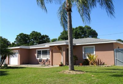 5963 48th Avenue N Kenneth City FL 33709