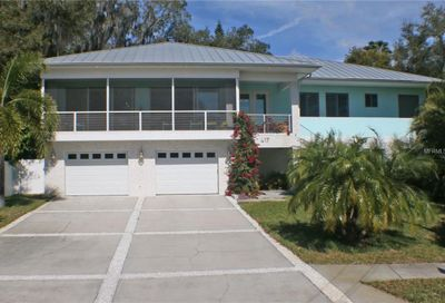 417 6 Street S Safety Harbor FL 34695
