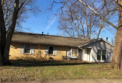 8244 Woodbine Drive Indianapolis IN 46217