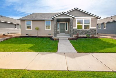 664 Northwest 27th Street Redmond OR 97756