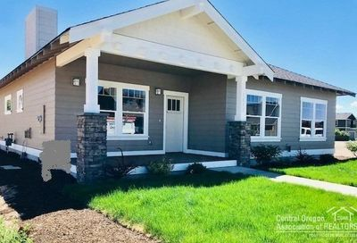 1572 Northwest Kingwood Avenue Redmond OR 97756