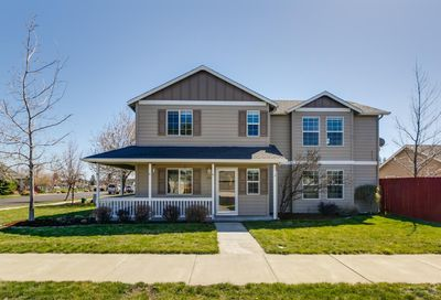 207 East Black Butte Avenue Sisters OR 97759