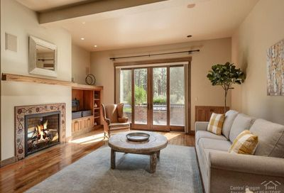 2561 Northwest Crossing Drive Bend OR 97703