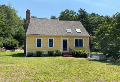 84 N Triangle Dr Plymouth MA 02360
