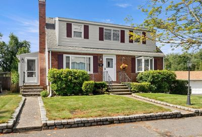 17 Victor Ave Beverly MA 01915