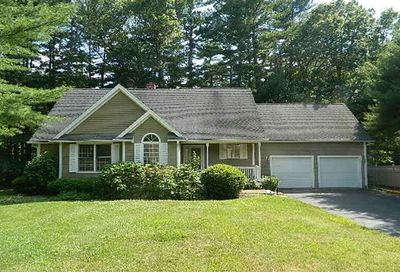 7 Russell Pond Rd Kingston MA 02364