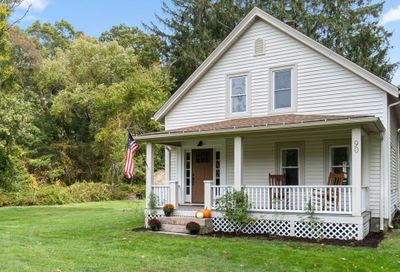 90 County Rd Marion MA 02738