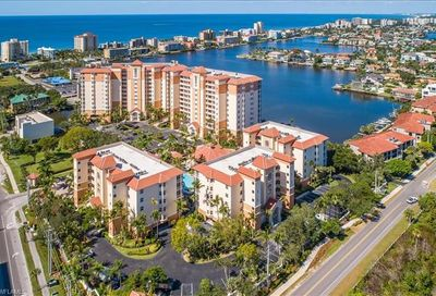 460 Launch Cir Naples FL 34108-2359