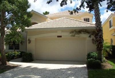 1988 Timarron Way Naples FL 34109-3320