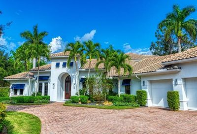 586 West Pl Naples FL 34108