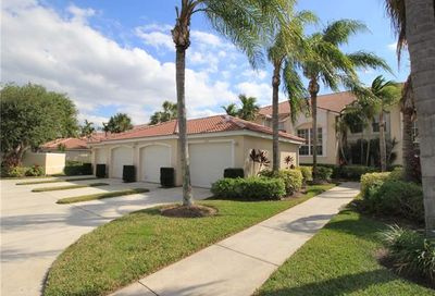 2910 Cypress Trace Cir Naples FL 34119