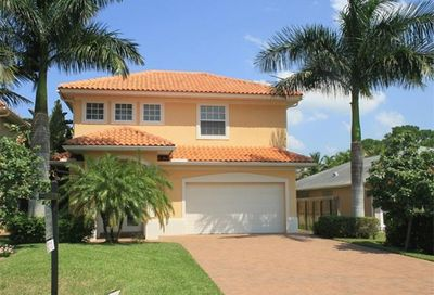 577 110th Ave N Naples FL 34108