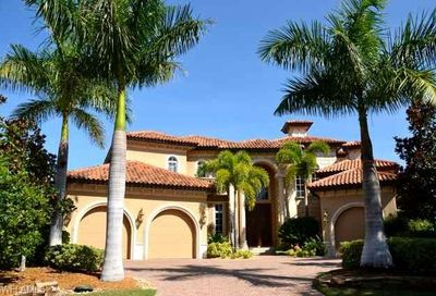 203 Bay Pt Naples FL 34103