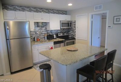 208 Palm Dr Naples FL 34112
