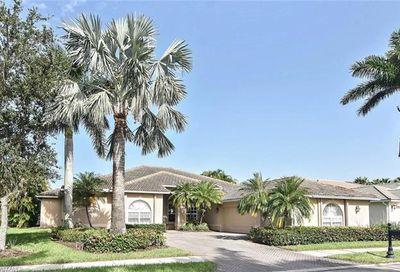 3821 Wax Myrtle Run Naples FL 34112