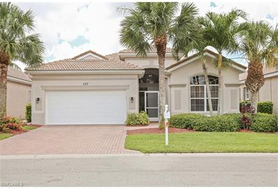 107 Glen Eagle Cir Naples FL 34104