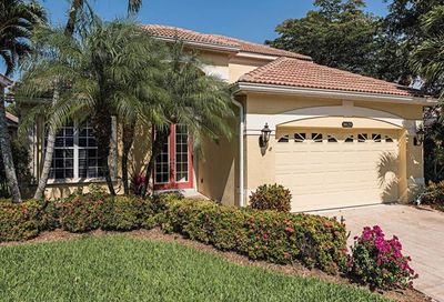 8829 Ventura Way Naples FL 34109