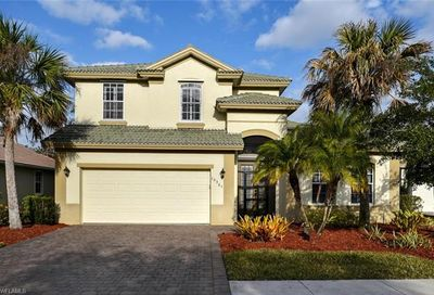 15561 Vallecas Ln Naples FL 34110