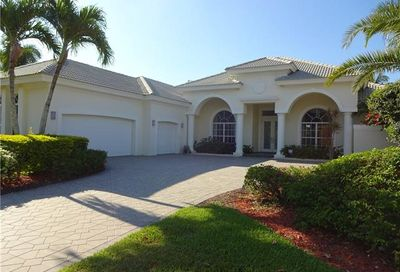 912 Glen Lake Cir Naples FL 34119