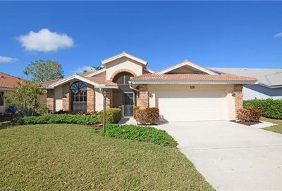 565 Countryside Dr Naples FL 34104