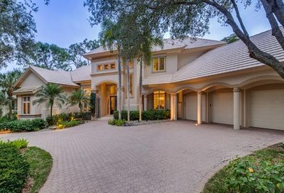 970 Barcarmil Way Naples FL 34110
