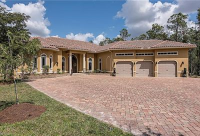 6771 Hunters Rd Naples FL 34109