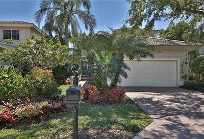 3860 Clipper Cove Dr Naples FL 34112