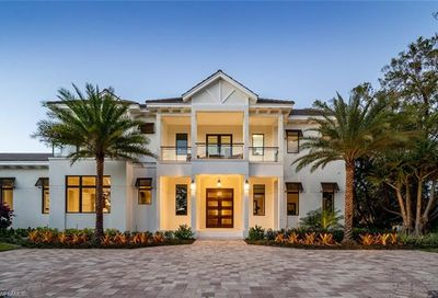 375 Kings Town Dr Naples FL 34102