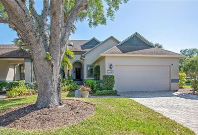 112 Water Oaks Way Naples FL 34105