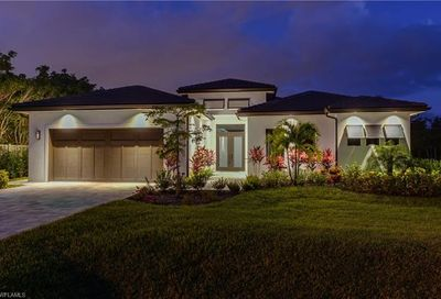 636 92nd Ave N Naples FL 34108
