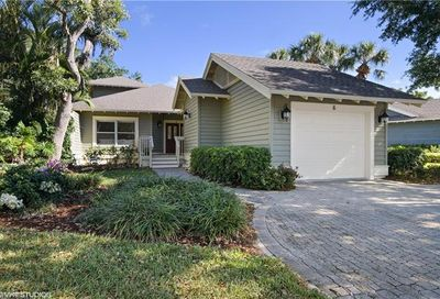 6 Golf Cottage Dr Naples FL 34105