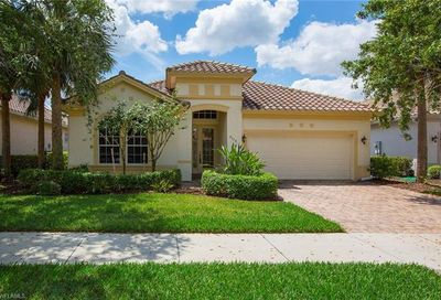 9116 Crystal Ct Naples FL 34120