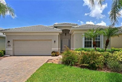 3650 Grand Cypress Dr Naples FL 34119