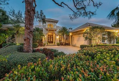 999 Barcarmil Way Naples FL 34110