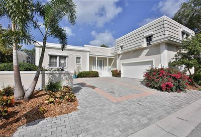 5921 Chanteclair Dr Naples FL 34108