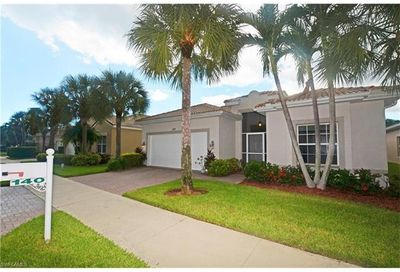 140 Glen Eagle Cir Naples FL 34104