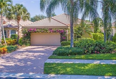 9125 Troon Lakes Dr Naples FL 34109