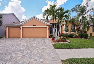 287 Burnt Pine Dr Naples FL 34119