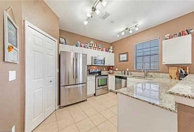 7500 Bristol Cir Naples FL 34120