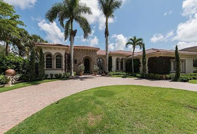 1613 Chinaberry Way Naples FL 34105